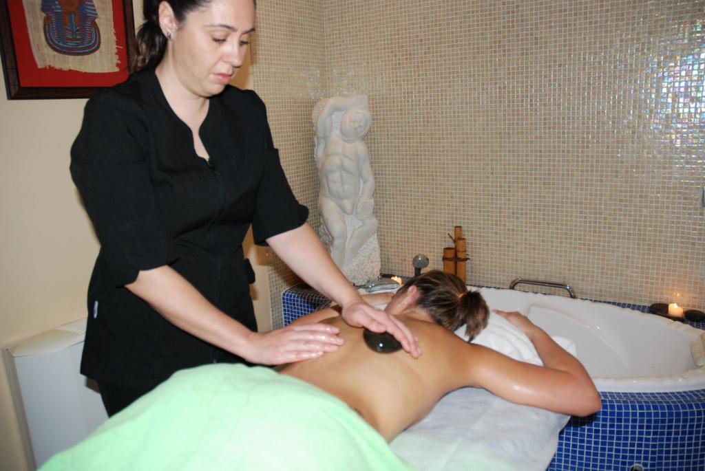 Oleoturismo: masaje con aceite de oliva